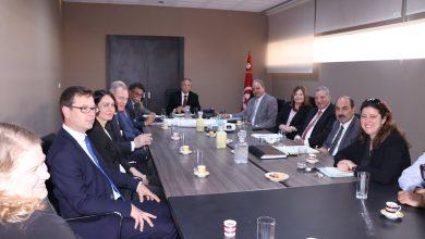 صورة وزير الشؤون المحلية والبيئة يتابع مشروع استصلاح وتثمين سبخة السيجومي في اطار التعاون التونسي الفنلندي .